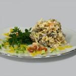 соленые грибы в салате