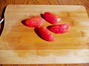 очистить дольки помидора