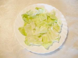 порвать листья салата