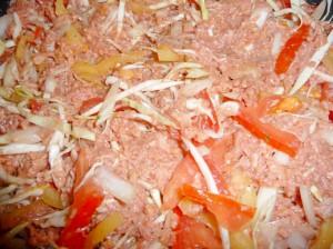 добавить овощи к фаршу