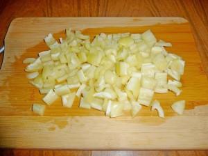 нарезать кубиками сладкий перец