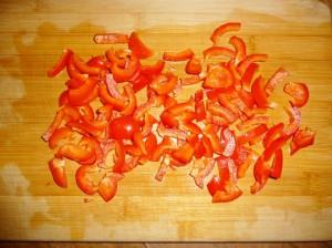 нарезать красный болгарский перец